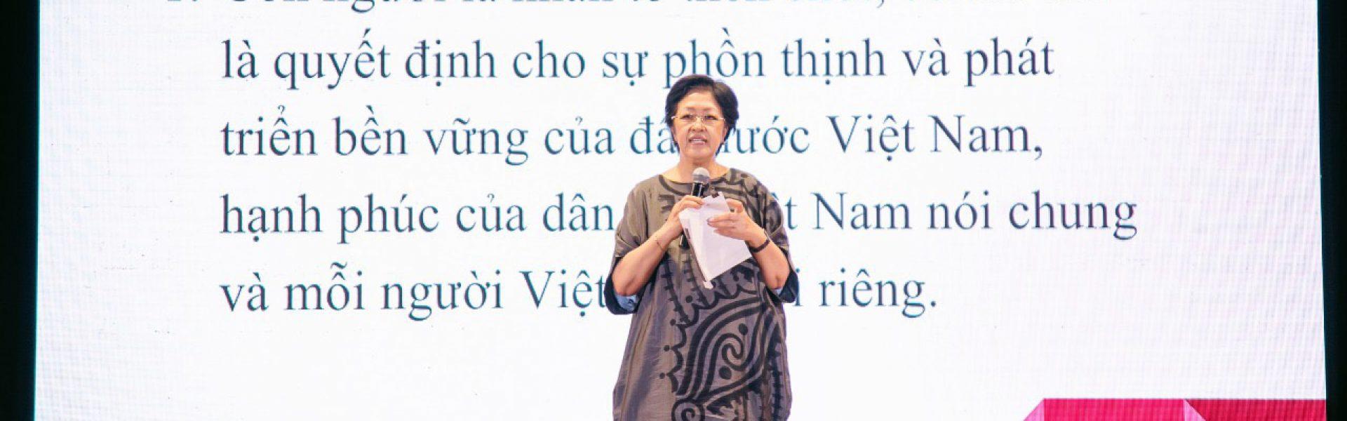 Bà Tôn Nữ Thị Ninh: Ngồi canh con học là sự thất bại trong giáo dục